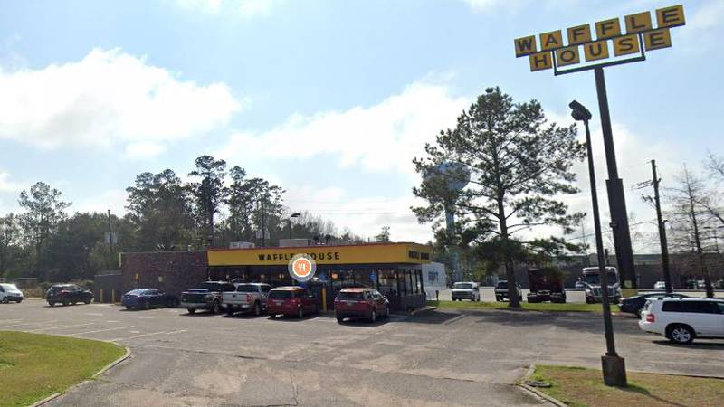 Hammond Police investigate early morning homicide at Waffle House on Highway 190