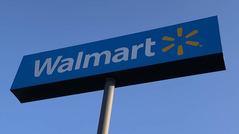 The Walmart in Gretna will close for deep cleaning, store managers announced.