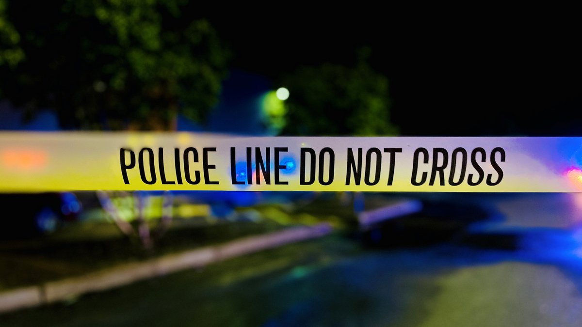 An unidentified man was found shot to death Saturday night (Sept. 4) in the West Lake Forest...