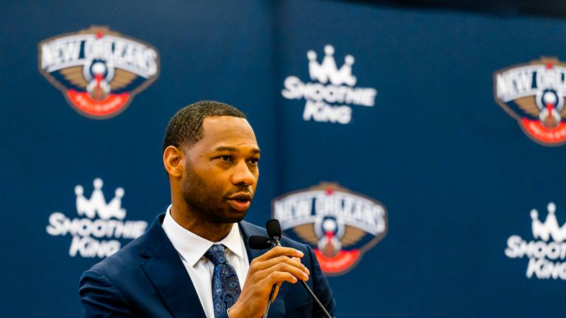 Pelicans welcome head coach Willie Green.