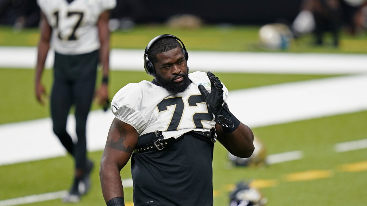 New Orleans Saints offensive tackle Terron Armstead (72) warms up during practice in New...