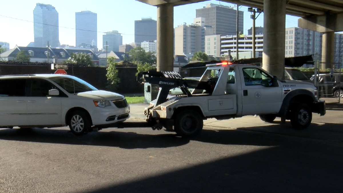 Nueva Orleans reanuda la aplicación de regulaciones de estacionamiento en toda la ciudad...