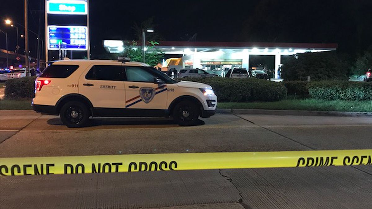 A Jefferson Parish Sheriff's Office deputy shot and apprehended a suspect in Marrero early...