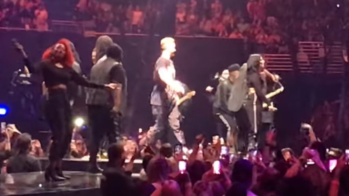 Justin Timberlake leads the Who Dat chant at his concert Wednesday.