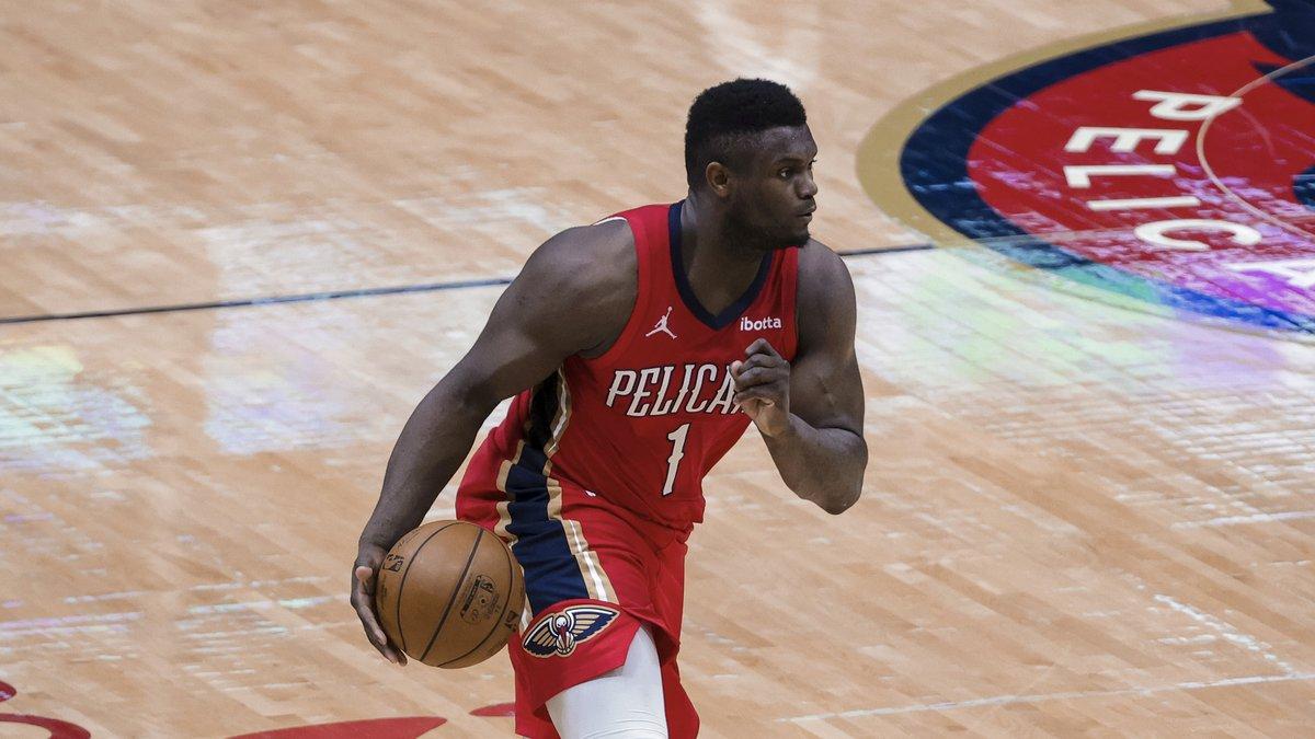 New Orleans Pelicans forward Zion Williamson (1) against the Dallas Mavericks in the third...