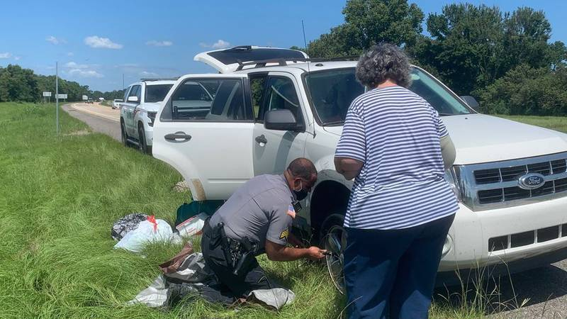 Two Natchitoches sheriff's deputies came to the aid of two women who had a tire blowout on...