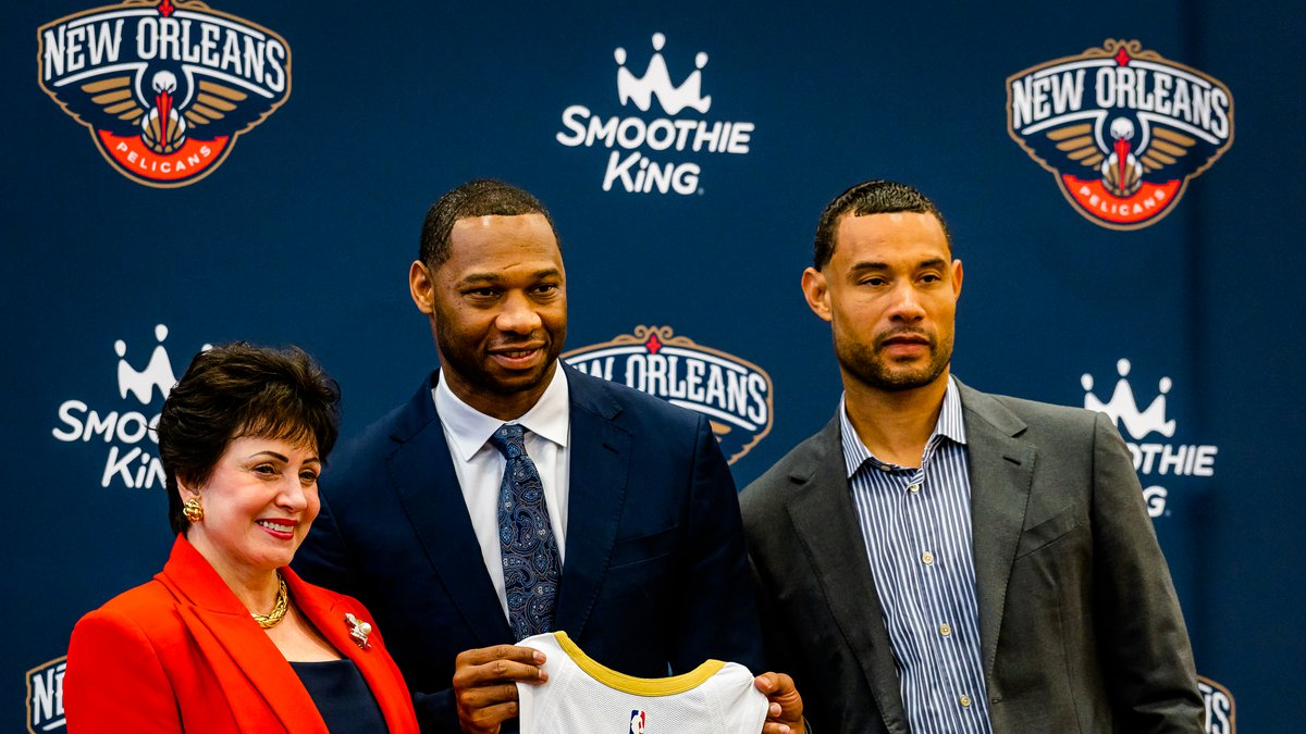 Pelicans introduce head coach Willie Green.