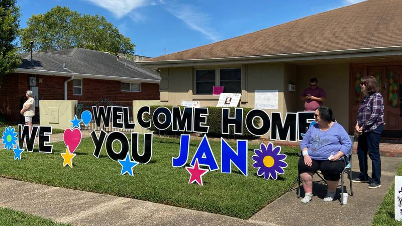 Neighborhood welcomes home Metairie woman after she nearly died from Covid.