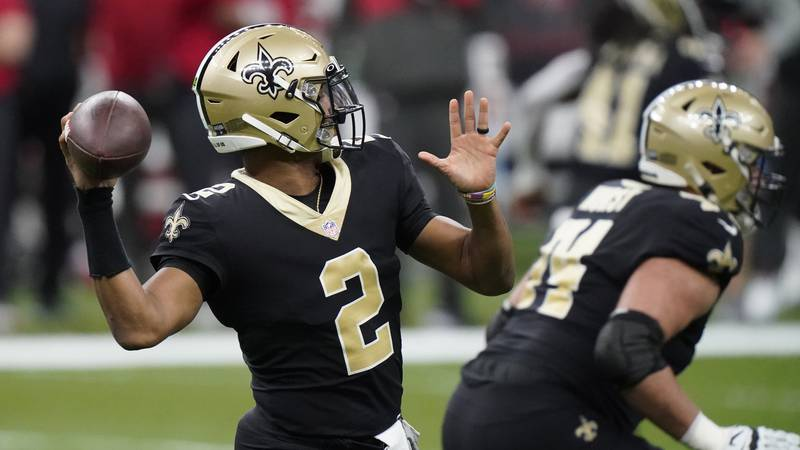 New Orleans Saints quarterback Jameis Winston (2) works in the pocket against the Tampa Bay...