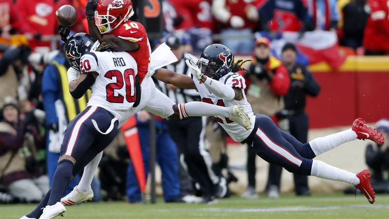 Source: Saints sent third round pick and a conditional pick in 2023 for Roby. (AP Photo/Jeff...